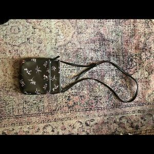 Kenneth Cole Reaction Black/Floral Crossbody